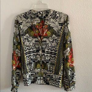 Long sleeve Bebe blouse!